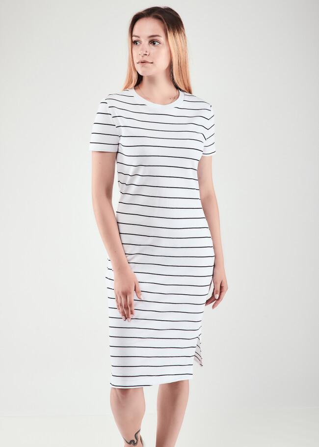 Сукня в смужку