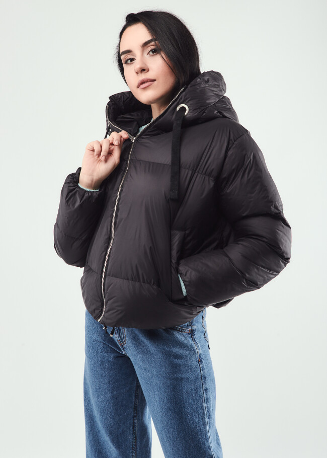 Куртка коротка
