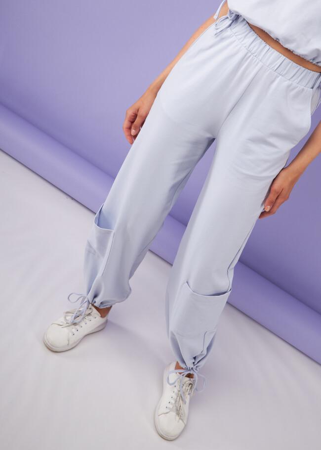 Широкі штани з кишенями