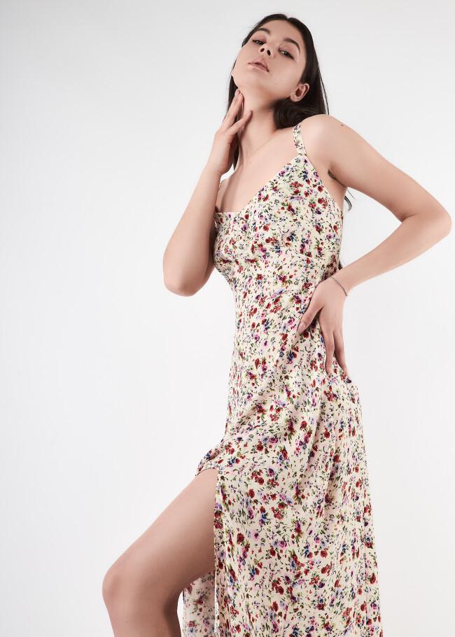 Сукня міді з розрізом