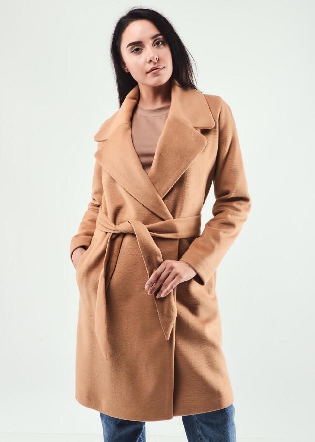 Пальто з поясом