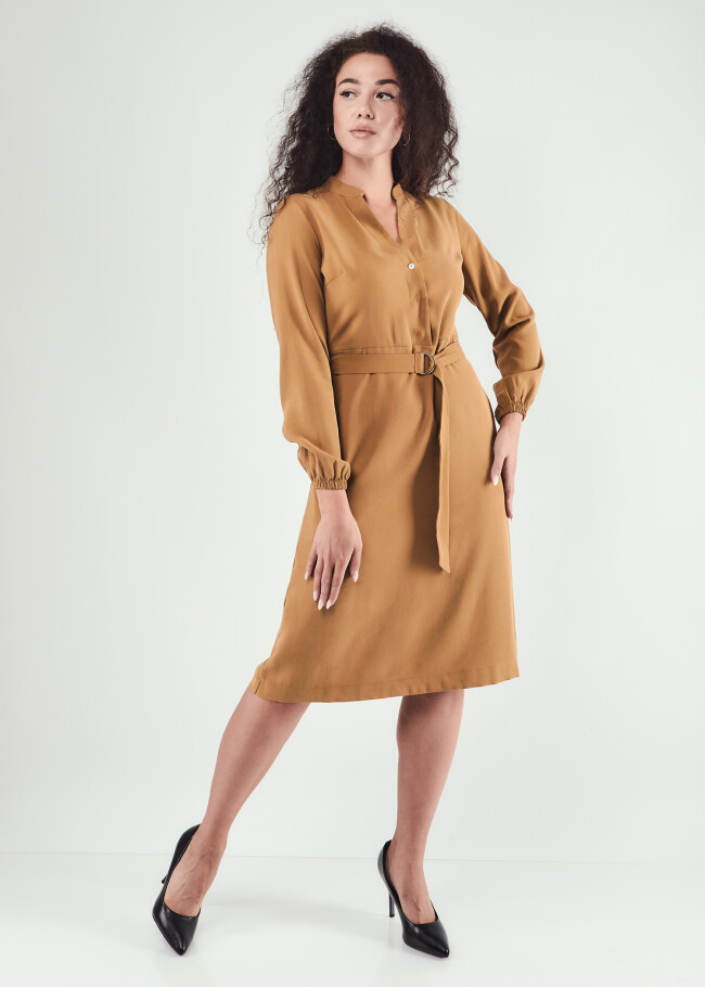 Сукня з V-вирізом