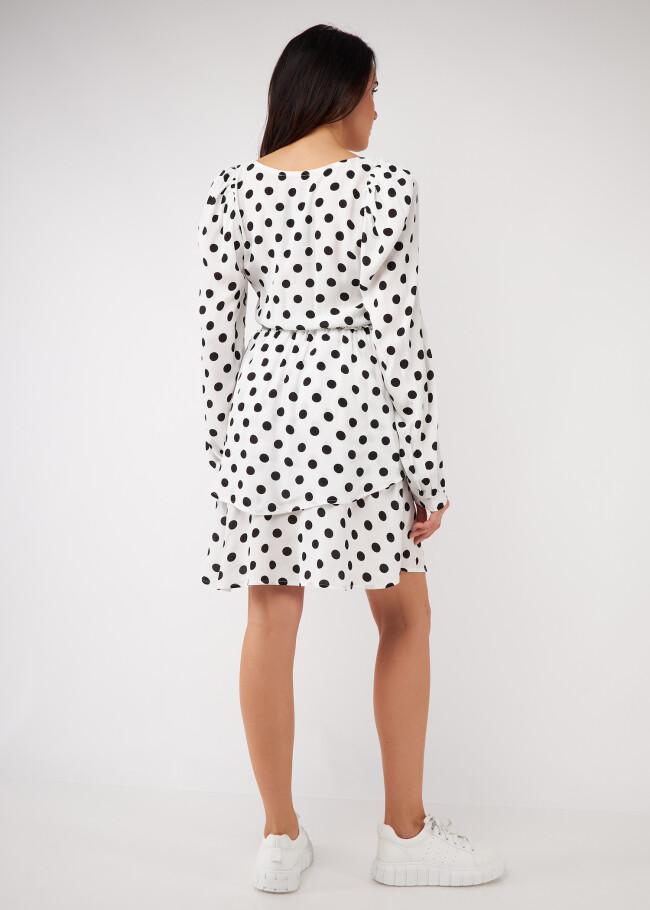 Сукня зі зборкою та фігурною горловиною.